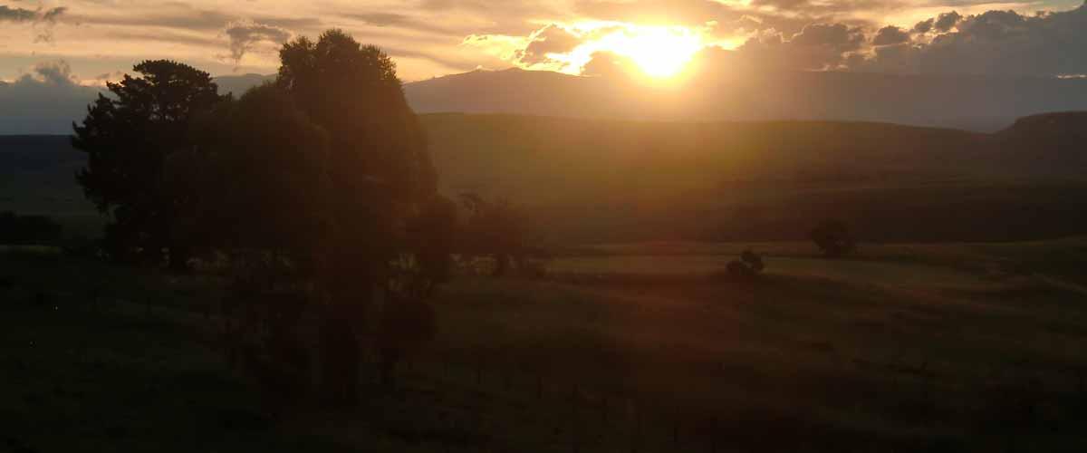 drakensberg sunset view