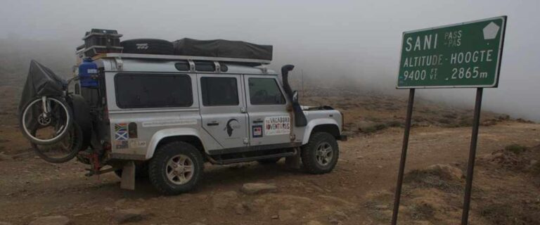 Drakensberg 4x4 off roading Sani Pass