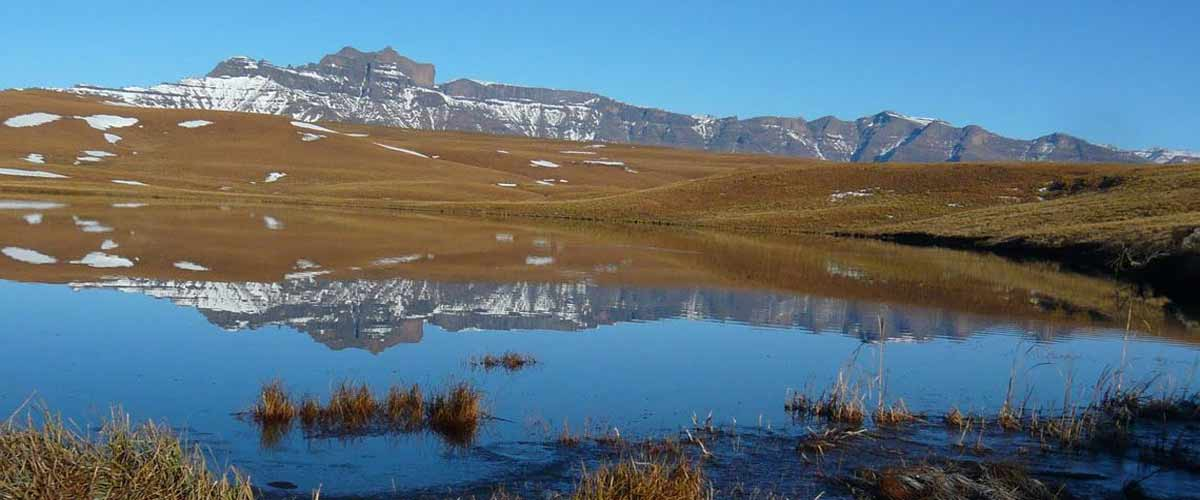 Drakensberg Mountains - Highmoor towards Giants Castle
